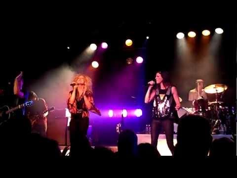 Little Big Town - Little White Church Live (HD)
