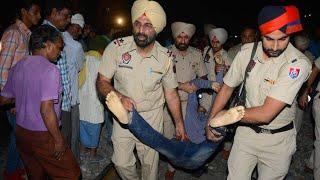 Zugunglück in Indien - Dutzende Tote befürchtet