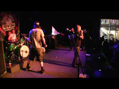 "M.D.C. - PUNK ROCK BOWLING 5/27/2016 LAS VEGAS COUNTRY SALOON ""VULTURE VIDEO"""