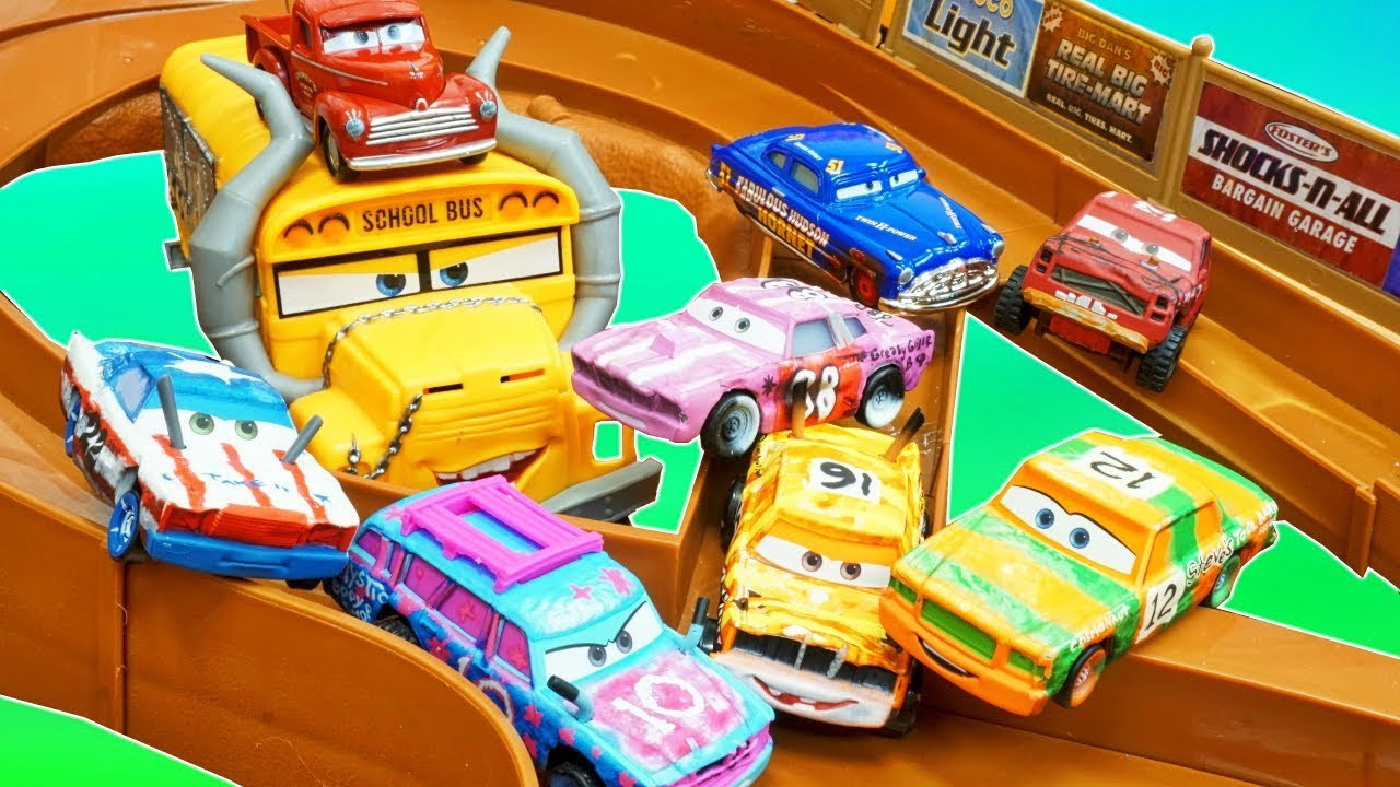 New Disney Pixar Cars Thunder Hollow Racers Racetrack And Toy