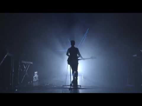 chvrches-you-caught-the-light-live-at-forum-london-manuel-correa