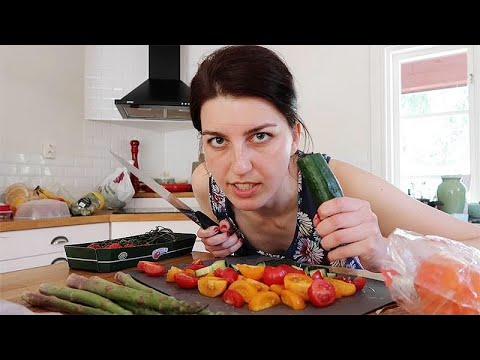 Смотреть Что в холодильнике у шведов? // В гостях у Иры Стомберг онлайн