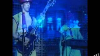 Girl U Want (Live 1980) - Devo  Sub esp.