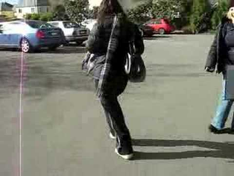 Peeing when i walk