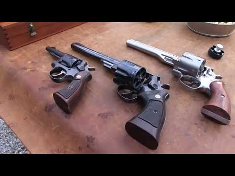 44 Magnum Comparison:  Ruger Redhawk  vs  S&W Model 29