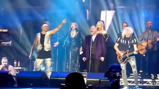 Fire Fight Australia - John Farnham with Brian May - The Voice