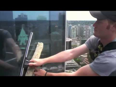 Cleaning windows Vancouver BC