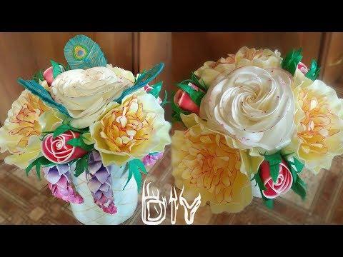 Шляпная коробка с цветами из изолона, роза, пион, люпин, бутон розы, перо, 1 часть