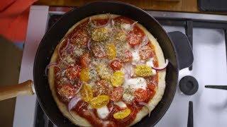 Domowa pizza z patelni – szybka i pyszna! [Patenciary]