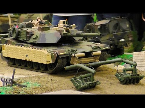 AMAZING RC SCALE 1:18 MODEL MILITARY VEHICLES IN MOTION
