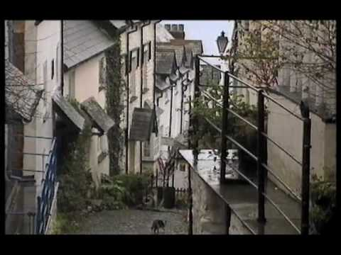 One Foot in the Past - Joss Ackland - Clovelly