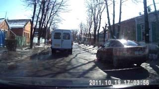 видео Автомобильный видерегистратор NEOLINE TUBE