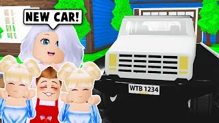 BUYING A NEW FAMILY CAR ON BLOXBURG! (Roblox)
