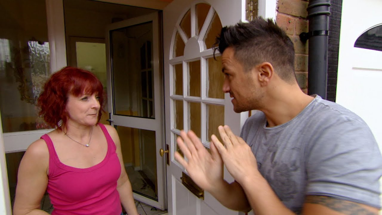 lisa shows peter around her parents home - peter andre's 60 minute
