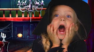Crazy Epic Halloween! | Family Fun | SillyPop