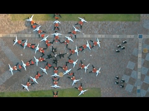 Tomorrow Daily - 075: A coat with 50 cameras, OK Go's new music video, and more