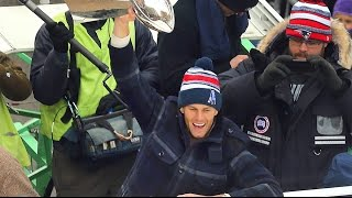 Thousands cheer Patriots in city parade