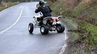SUZUKI LTZ 400 drifting.MOV