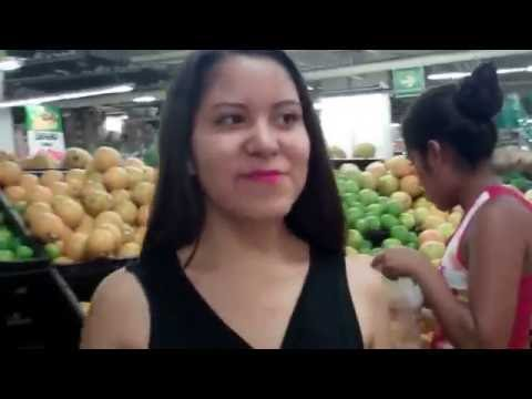 The Great Bodega Aurrera Adventure with Mely Acapulco