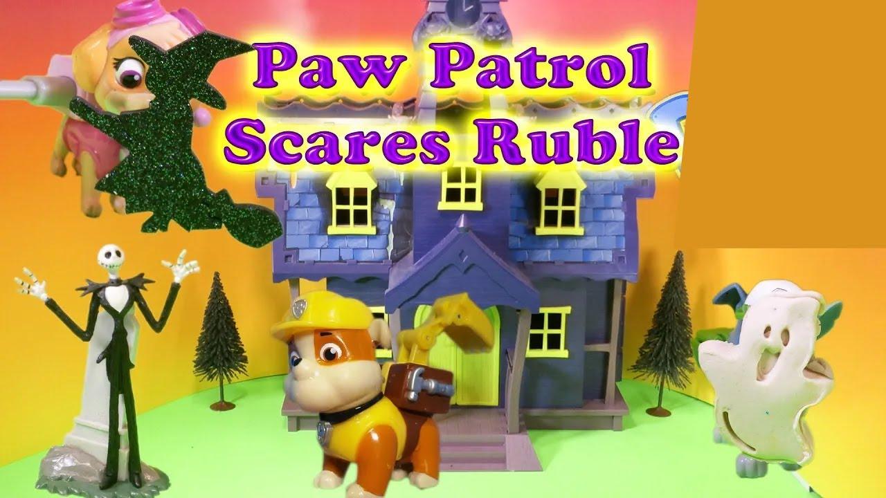 paw patrol nickelodeon paw patrol scares rubble a paw
