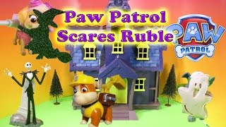 Paw Patrol Spooks Rubble a Funny Toy Pardoy