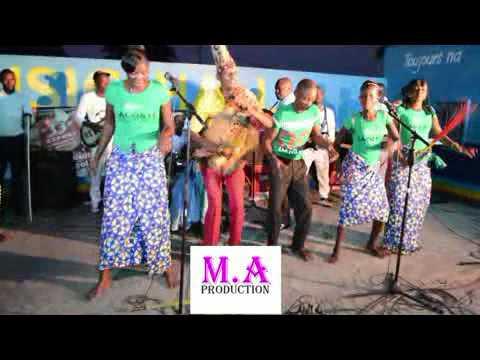 Kingoli & la Chorale saint denis de makoua en Concert farafara by BossBouka