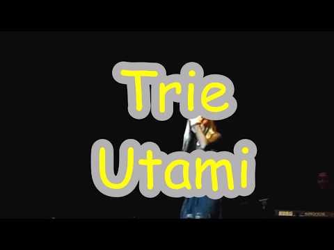Trie Utami dan Karimata di Jazz Traffic