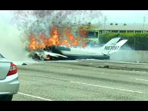 plane Crashes On The 405 Freeway California santa ana At John Wayne Airport  Highway, Bursts Into