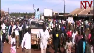 Besigye asiibye atalaaga bitundu by'ebuvanjuba bweggwanga ngakunga abantu okugaana enfuga embi thumbnail