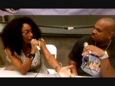 Mr. Buck Interviews Singer Karyn White at the L.A. Black Book Expo on Everybodyradio.com