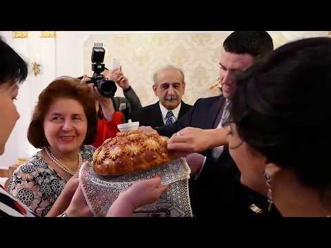 Армянская невеста выходит замуж за русского офицера.