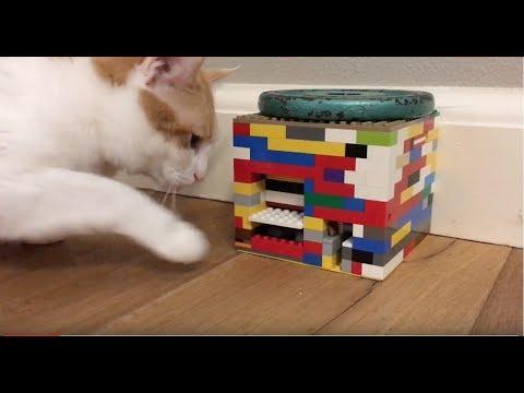 Lego Kitty Cat-Operated Treat Machine