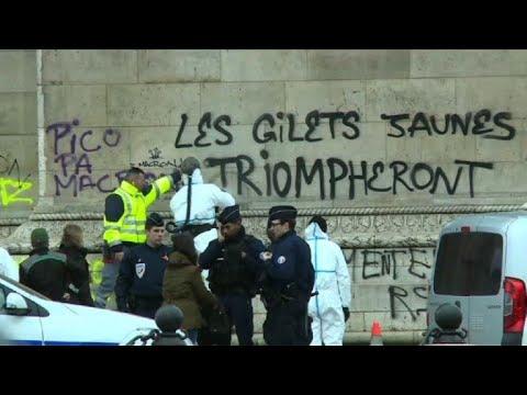 """""""Gilets jaunes"""" : après le chaos, le ménage à l'Arc de Triomphe"""