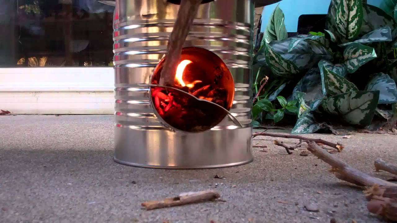 Tin can rocket stove youtube for Tin can rocket stove