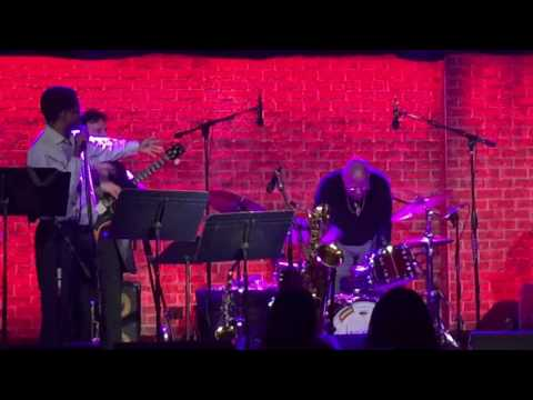Reggie Pittman gives props to Jaimoe of The Allman Brothers - Iridium, NYC, 4.23.17