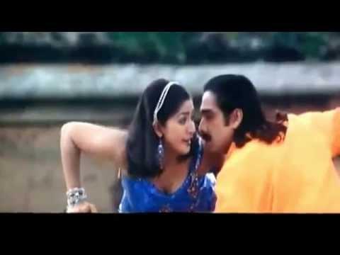 Malayalam Actress Navya Nair Clevage show