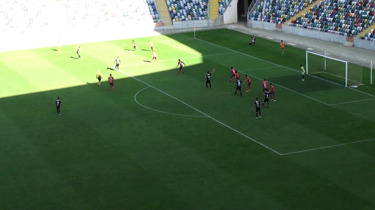 Oliveirense 0-1 Nacional da Madeira