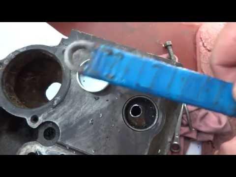 Как извлечь заглушку из водяной рубашки блока 21083 .