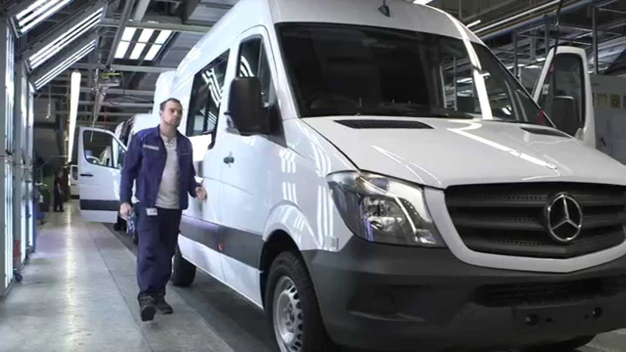 test gallery benz first reviews photo in front truck quarters motion three image sprinter mercedes
