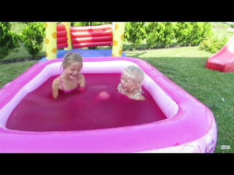 Water Playground Fun and Magic Gelli Baff in Giant Pool Princess