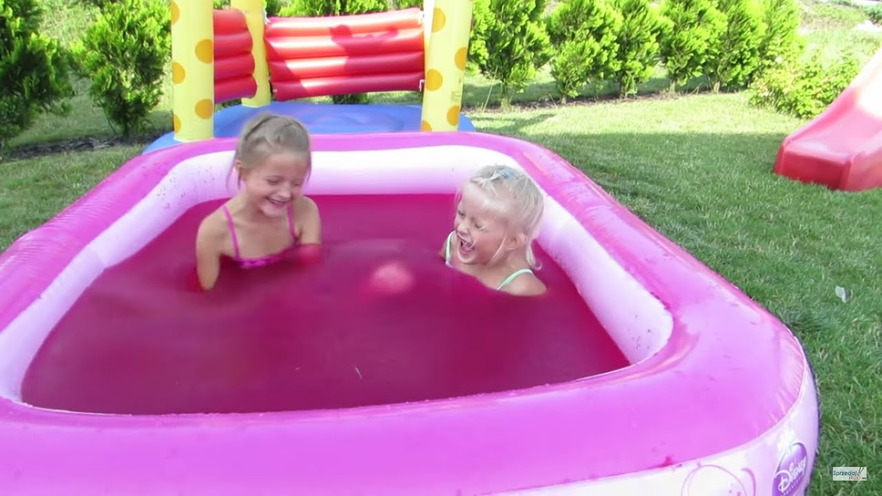 Water Playground Fun and Magic Gelli Baff in Giant Pool Princess for Children Challenge