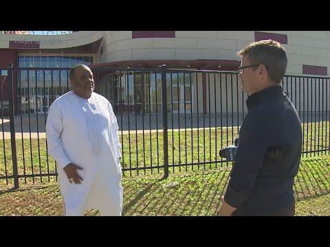 Alum Roland Martin establishes scholarships at Jack Yates High School