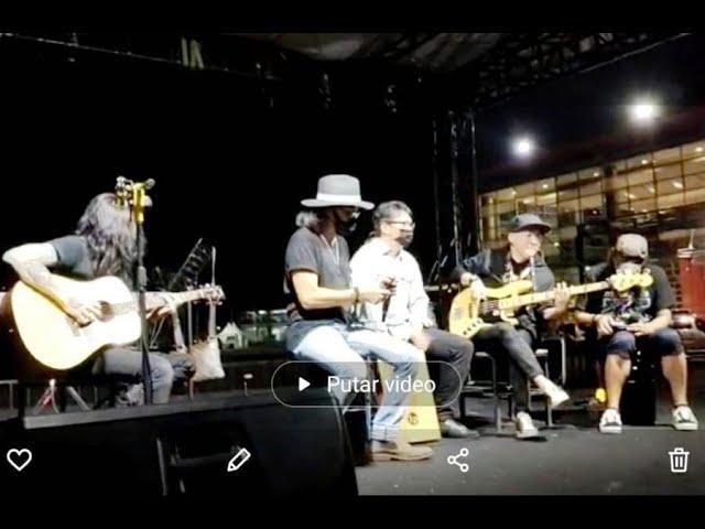 Kolaborasi Dadakan Andi/riff, Roy Jeconiah, Fajar Edane, Ovy/riff, Ayoung Gigas