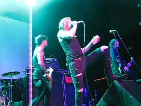 A Skylit Drive (Live)