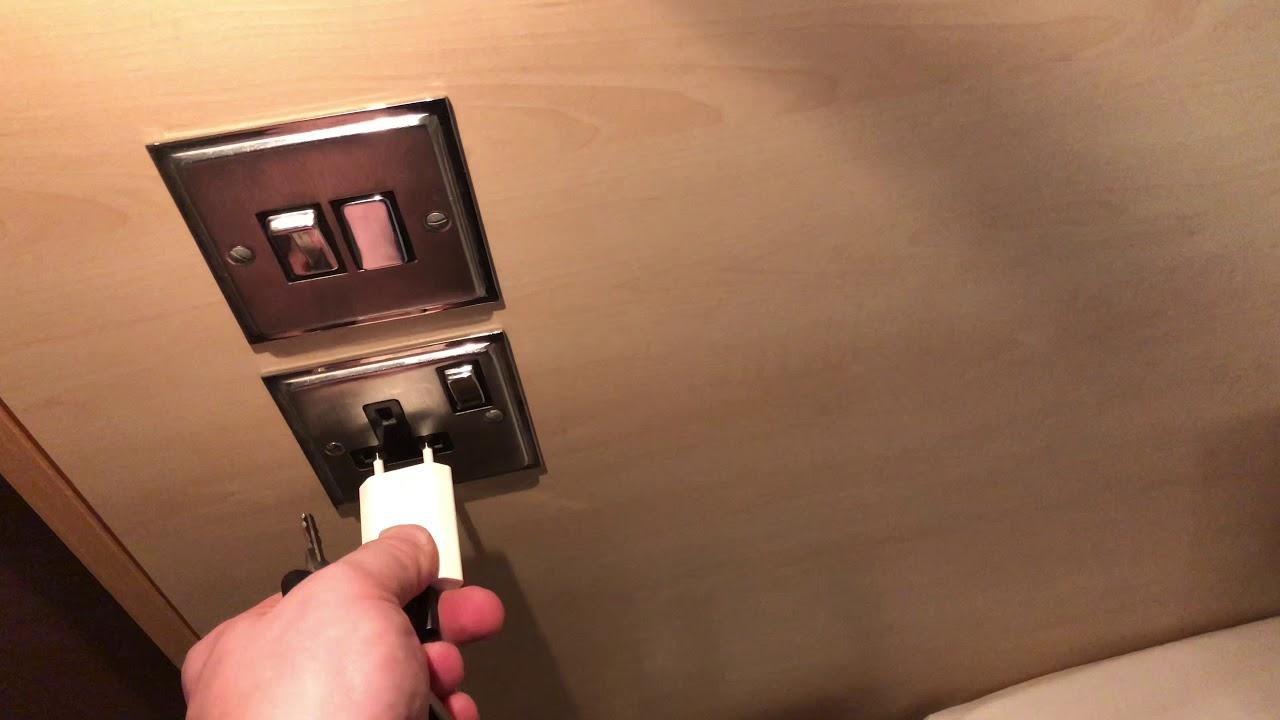 brancher une prise fran aise dans une prise anglaise sans. Black Bedroom Furniture Sets. Home Design Ideas