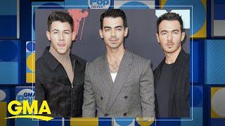 Jonas Brothers release new holiday song, 'Like its Christmas' | GMA