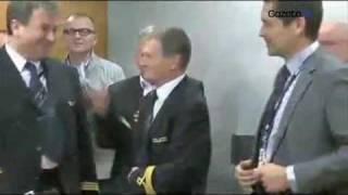 Oklaski dla kapitan Wrony