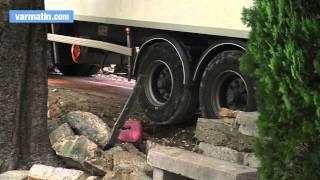Camps-la-Source: un 38 tonnes bloqué dans le village