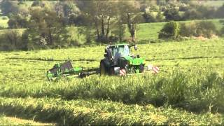 P&M Ryan Silage 2012 - Mowing with John Deere 7530 + 6830