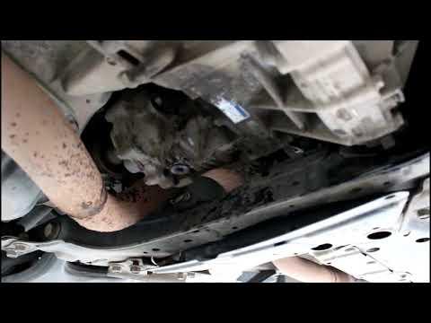Toyota RAV4 2,0 Тойота РАВ 4 2007 года Замена масла в раздатке и редукторе заднего моста